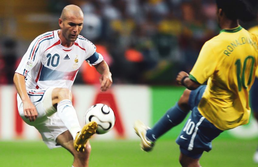 10 Best Men's Football (Soccer) Players of All Time